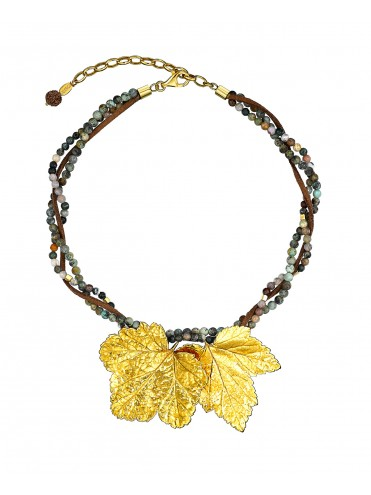 Short necklace with two leaves