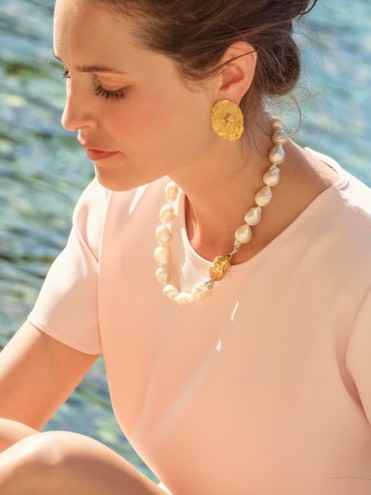 Baroque pearls gold necklace