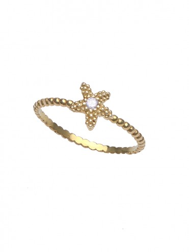 Yellow gold ring with central diamond