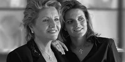The inheritance goes from mothers to daughters